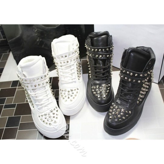 Chic Fashion Rivets Comfortable Height Increasing Shoes