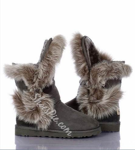 New Arrival Gray Suede Flat Heel Animal Feather Snow Boots