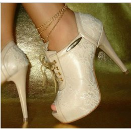 Gorgeous White Peep Toe Lace-Up Chain Decoration High Heel Shoes