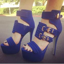 Gorgeous Cut-Outs Buckle Platform Sandals