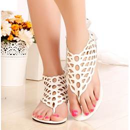 Fashionable Black Cut-Outs Flat Heel Sandals