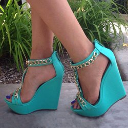 Absorbing PU Metal Chain Ankle Strap Wedge Sandals