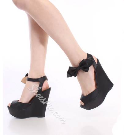 Shapely Bowknot Coppy Leather Wedge Sandals