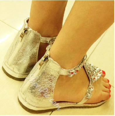 Valuable Rhinestone PU Flat Sandals