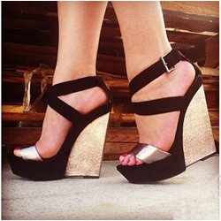 Impressive Contrast Color Coppy Leather Wedge Sandals