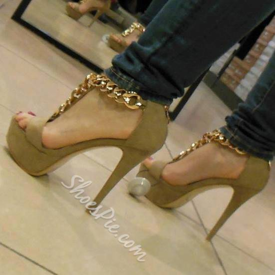 Impressive Cloth Metal Chain Platform Sandals