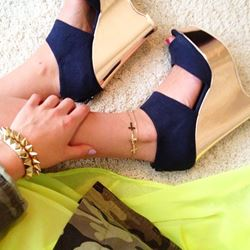Extraordinary Contrast Color Cloth Wedge Sandals