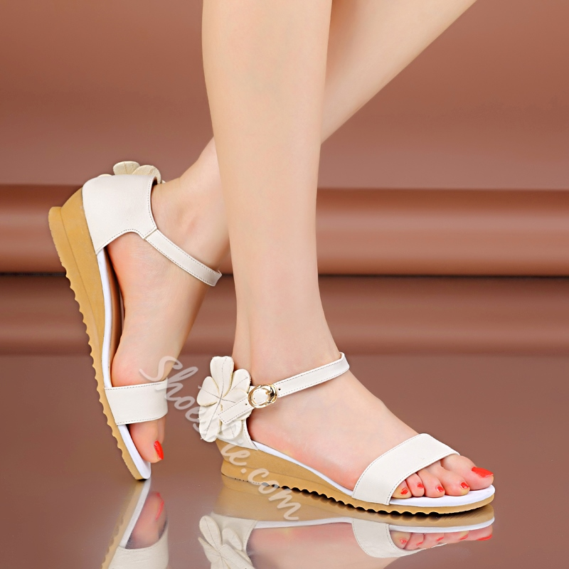 Amazing Flower Cow Leather Flat Sandals
