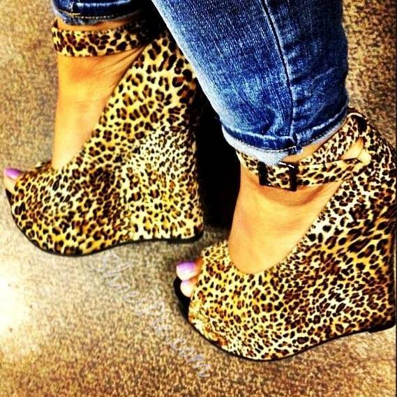 Shoespie Irresistible Leopard Grain Ankle Strap Wedge Heels