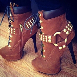 Special Rivets Lace-Up Ankle Boots