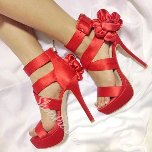 Graceful Pretty Girl Flower Platform Sandals