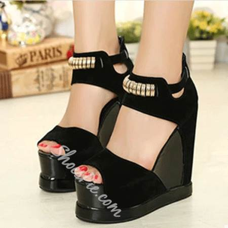 Brilliant Contrast Color Metal Decoration Wedge Sandals