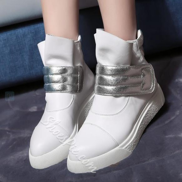 Fashionable Genuine Leather Sneaker