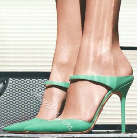 Graceful Green Point-toe Dress Sandals