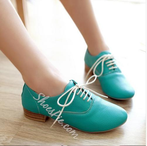 Fashionable Lace-up Flats