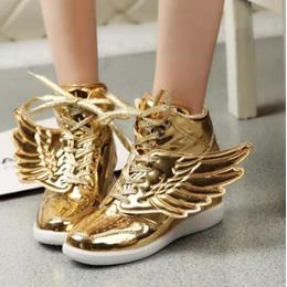 Fashionable Metal In-elevator Wing Decoration Sneaker