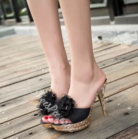Beautiful Flower Carving Pattern Stiletto Slippers
