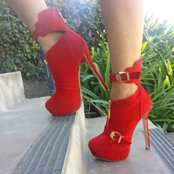 Glamorous Ankle Wrap Buckel Decorated Ankle Boots