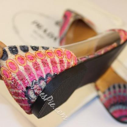 Fashionable Peacock Texture Transparency Metal Point Toe Flats