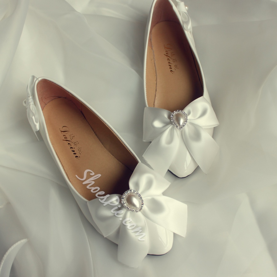 Simple Pearl White Low Cutter Pointed Toe Wedding Shoes