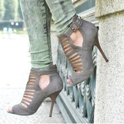 Retro Cut-Outs Ankle Boots With Buckle