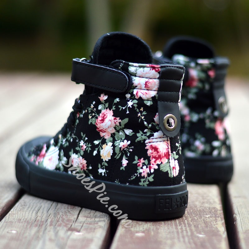 Sweet Zipper Riveted Floral Decoration High-top Canvas Shoes