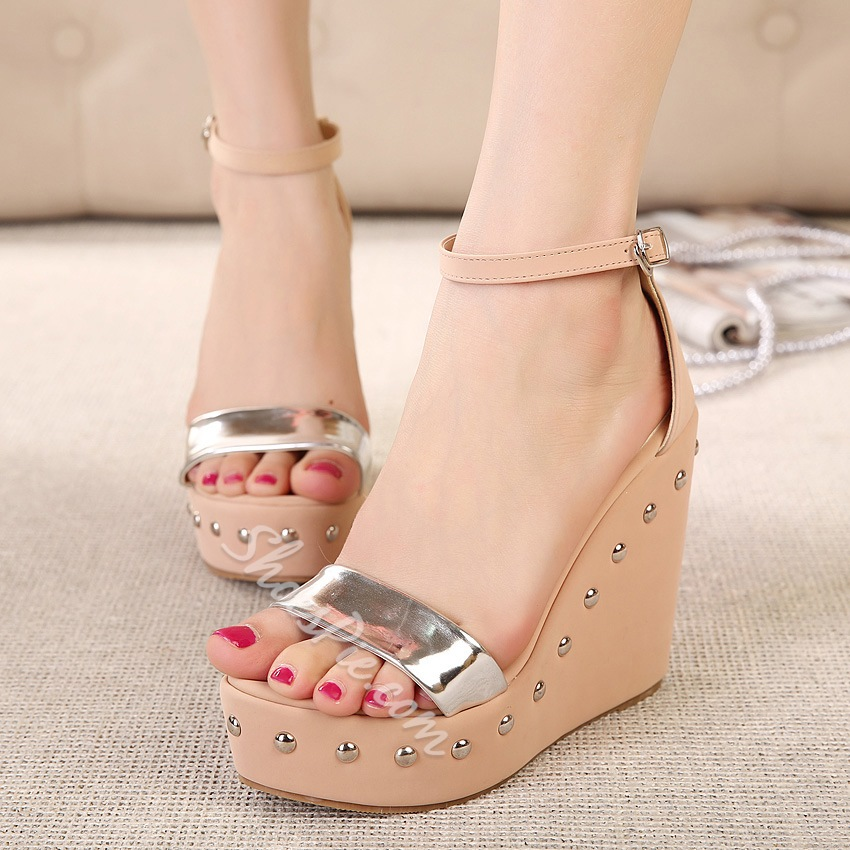 Simple Fashion Ankle Strap Wedge Rivets Sandals