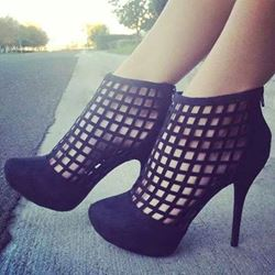 Shoespie Impressive Cut-Outs Stiletto Heels