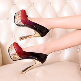 Attractive Gradually Changing Color Platform Heels