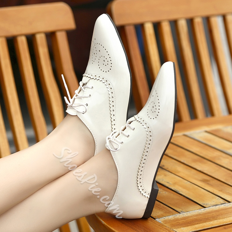 Pointed Toe Solid Color Lace-Up Flats