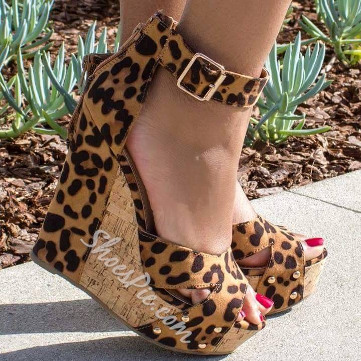 Shoespie Sexy Leopard Buckle Wedge Sandals