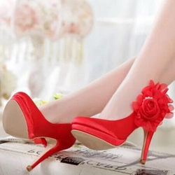Shoespie Flower Decorated Bridal Shoes