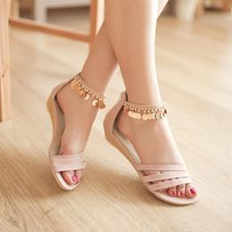 Shoespie Metal Tassel Decorated Flat Sandals
