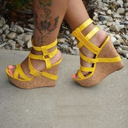 Shoespie Cut-out Solid Color Buckle Wedge Sandals