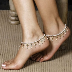 Shoespiel White Beading Metal Chain Anklet