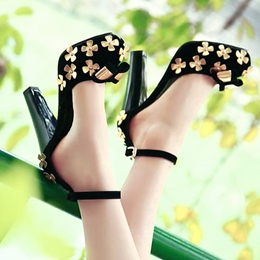 Shoespie Sequined Flower Ankle Wrap Chunky Heels