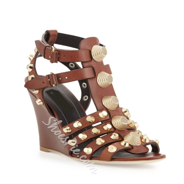 Shoespie Rivet Decorated Buckle Wedge Sandals