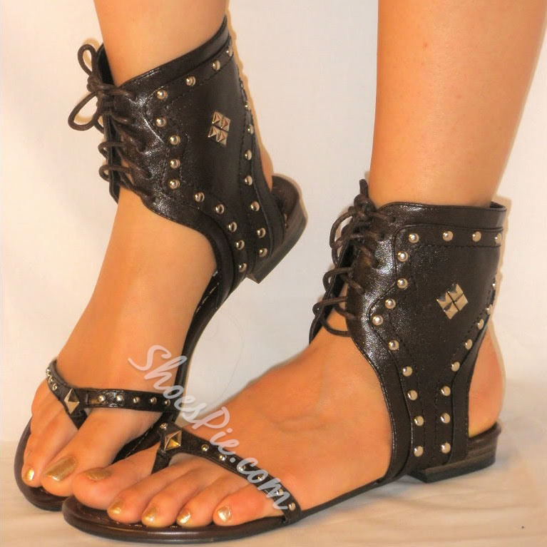 Shoespie Rivet Lace up Decorated Thong Flat Sandals