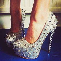 Shoespie Stylish Rivets Platform Heels