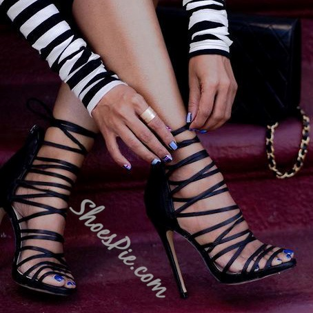 Shoespie Solid Black Strappy Stiletto Sandals