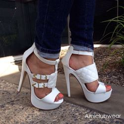 Shoespie Metal Buckle Decorated Platform Sandals