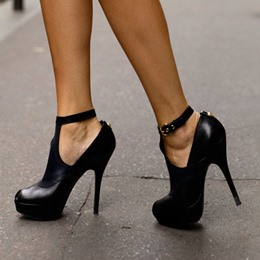 Shoespie Fashionablel Ankle Wrap Black Platform Heels
