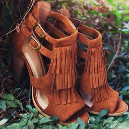 Shoespie Brown Tassels Decoration Open Toe Scandals