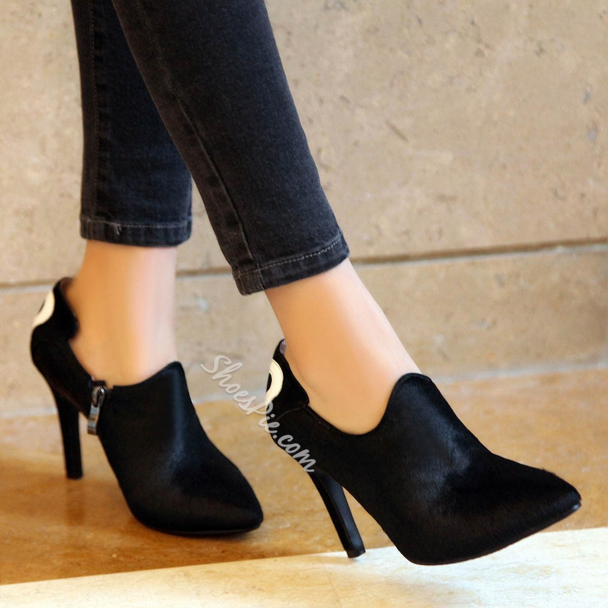 Shoespie Black Geometric Shapes Ankle Boots