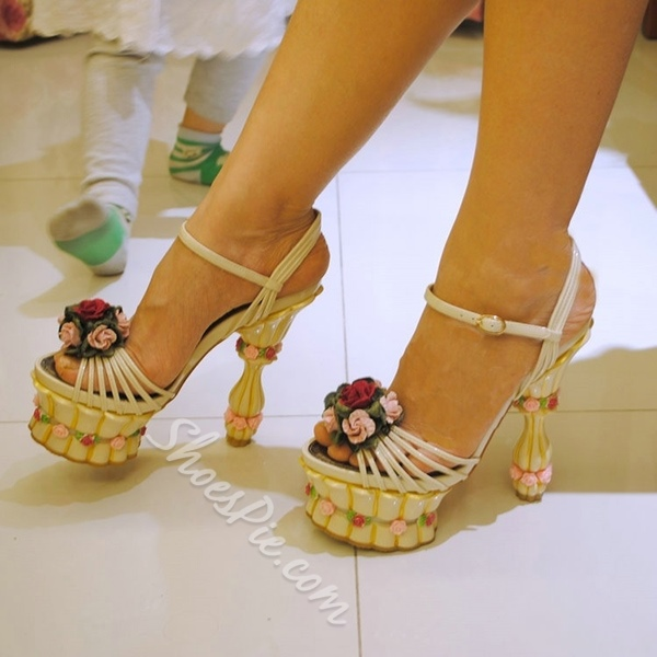 Shoespie Marvelous Flower Appliques Platform Sandals