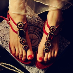 Shoespie Red Color Rhinestones Decorated Flat Sandals