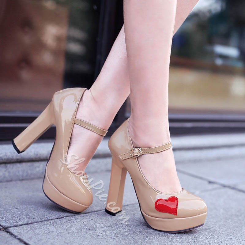 Shoespie Round Toe Heart Appliqued Chunky Heel Mary Jane Shoes