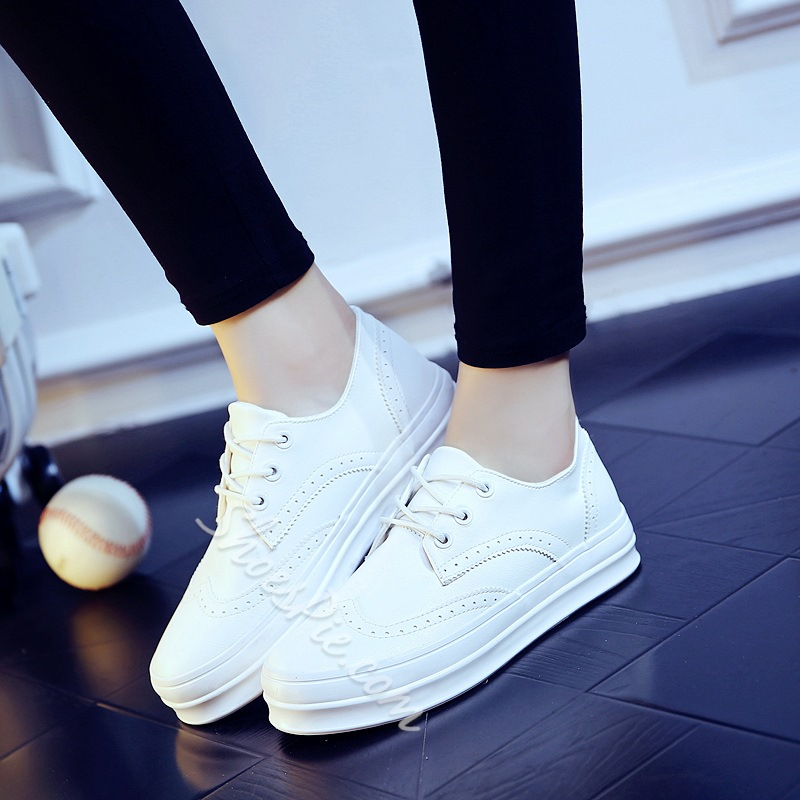 Shoespie Brisk Carvings Lace Up Sneaker