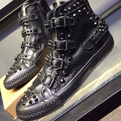 Sheospie Black Punk Rivets Sneakers