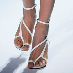 Shoespie Designer White Clip Toe Sandals